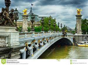 Paris Bridge royalty