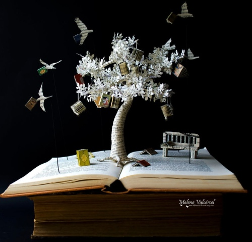 art-made-with-discarded-book-pages